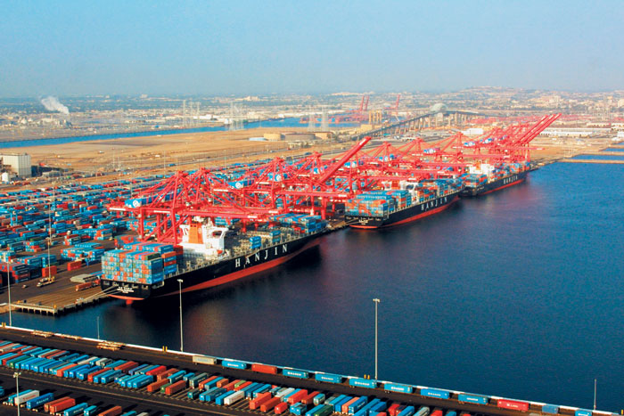 Hong Kong Stopping At The Congested Los Angeles Long Beach Port Complex In October Made Container Ships An Average Of 3 4 Days Late Next