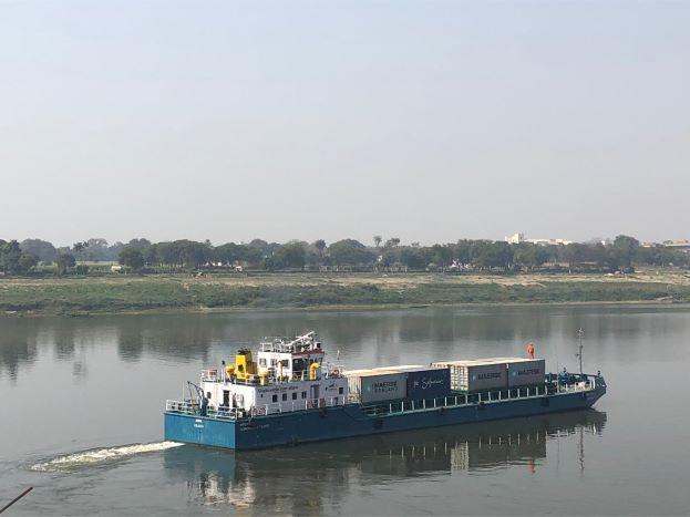 International-Ports: India pushes coastal, inland waterways solution