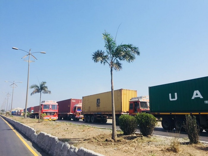 Because Trucks Comprise The Bulk Of Transport At Jnpt Even A Short Lived Disruption Can Cause Substantial Cargo Backlog Above Lined Up
