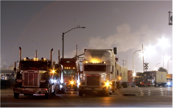 LA-LB Trucking Companies Propose Container Fee to Pay for