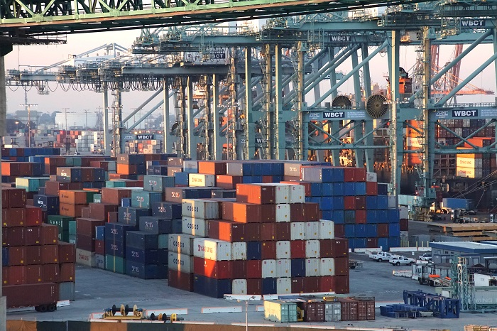 The Longshoremen: Teamsters draw Long Beach city into