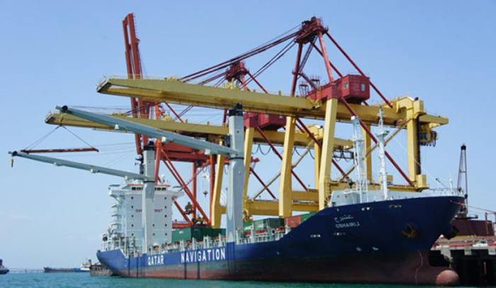 Carriers use Oman feeder services to move cargo into Qatar