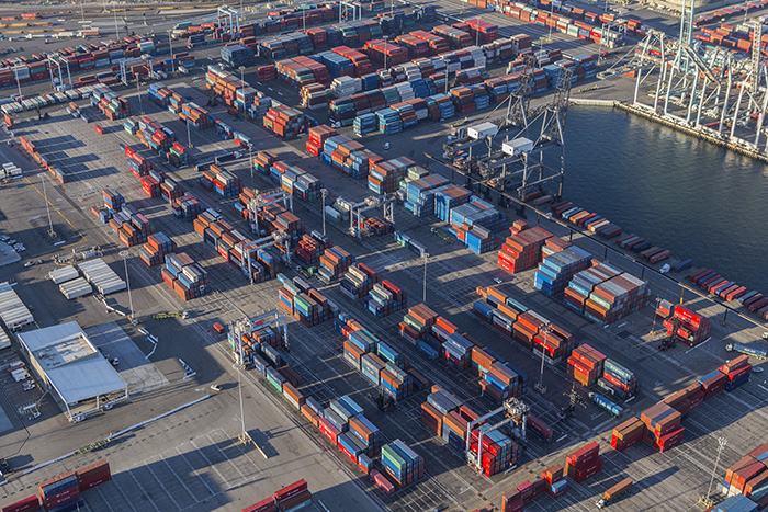 Container shipping: Long Beach port optimizer decision