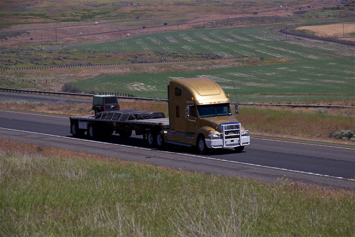US Trucking News: Surging US flatbed demand delays service