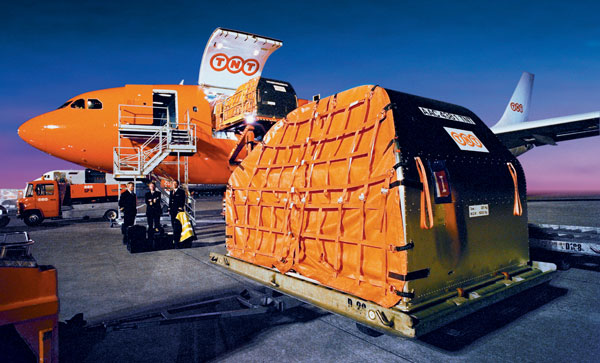 Double Container Stacking Cone as well Old Containers also Greek Shipping Ship Owners further S L likewise W. on shipping container ships