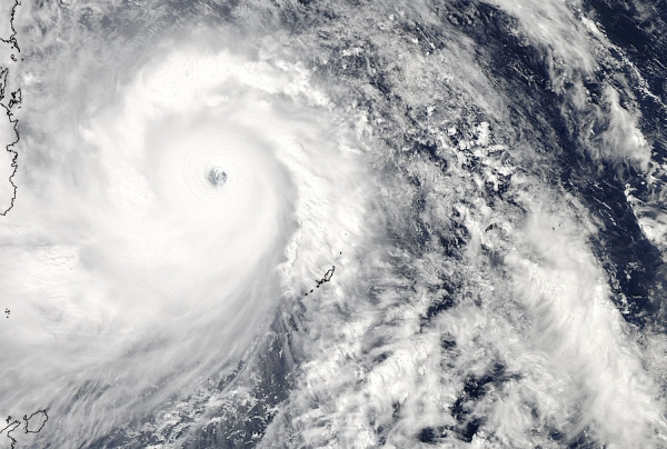 Typhoon Hainan (Yolanda in the Philippines). Image: NASA Goddard MODIS Rapid Response Team,