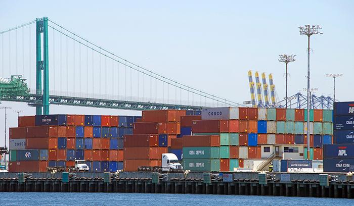 Thanksgiving marks escalation of LA-LB trucker fees | JOC com
