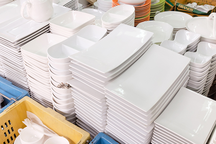& Rising home sales serve up US tableware import high