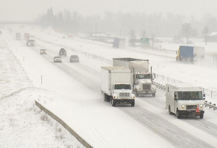 US Trucking: US peak-season shippers face bumpy final mile