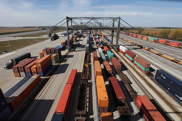 CSX cuts domestic intermodal services amid peak season | JOC com
