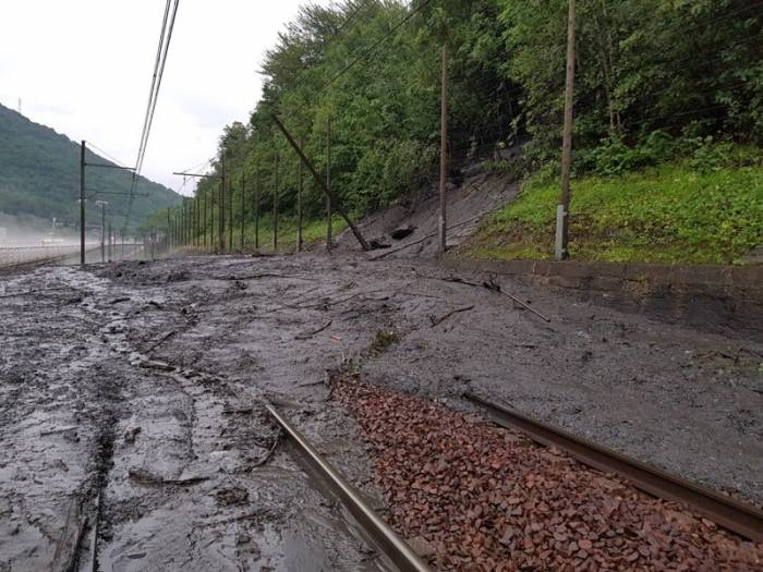 French Mudslide Puts European Union Rail Contingency Plans To The Test
