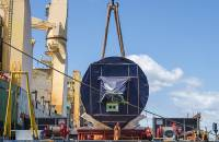 The fifth of five tunnel-boring machines now operating in Sydney was discharged to barge at White Bay, Australia, from the AAL Kembla.