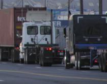 trucks outside NY/NJ port