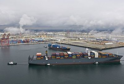 Mega-Ships.