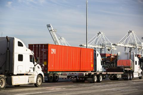 trucks in line at Port of Los Angeles