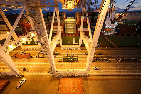 Extended gate hours at the Port of Oakland, pictured, are pulling down costs for shippers and driving up productivity.
